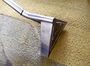 Чем чистить ковролин в домашних условиях