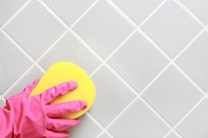 Уход за плиткой в ванной комнате