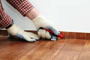 Как приклеить линолеум на бетонный пол