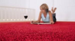 Как правильно постелить ковролин на бетонный пол